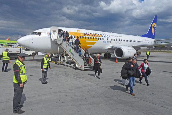 Sicher in Deutschland gelandet mit Mongolian Airlines.