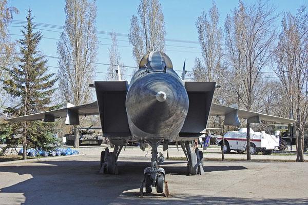 Auch Sowjetische Kampfjets aus der Nachkriegszeit sind zu sehen.