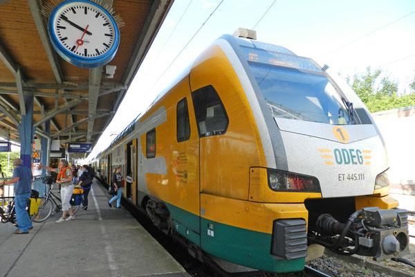 На северо-востоке Германии поезда желтые.