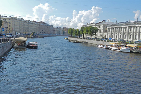 Blick von der Brücke auf die Fontanka