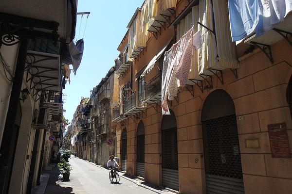 Unterwegs in der Alstadt von Palermo