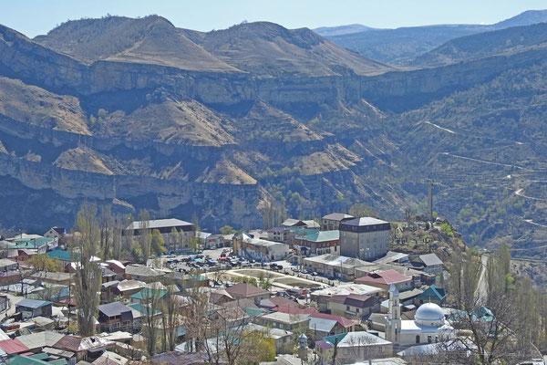 Blick auf die Bergkette südlich von Gunib
