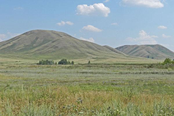 Die Hügelkette Andrejewskie Schischki