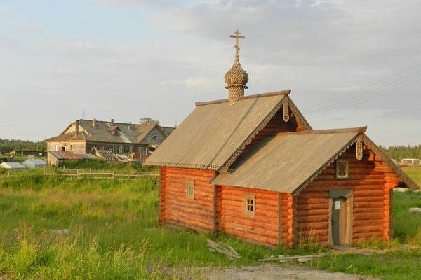 Kleine orthodoxe Kapelle auf dem Weg zum Flughafen
