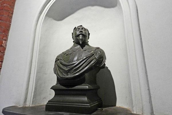 Шведский король Густав Адольф.