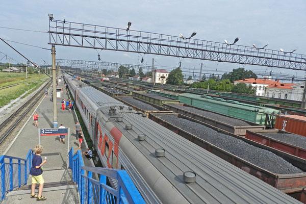 Wir reisen nach Osten, viele Züge voller Kohle rollen nach Westen...