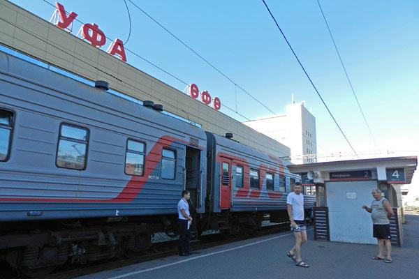 Am Bahnhof von Ufa