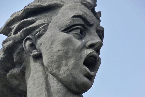 """Wutschetitschs """"Mutter Heimat"""" hat den Mund geöffnet."""