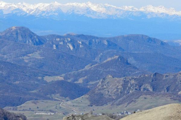 Blick auf Werchnjaja Mara vom Pass