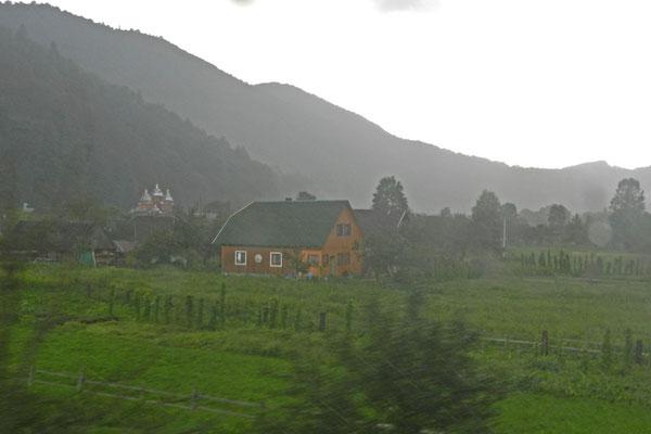 Auf dem Weg durch die verregneten Karpaten