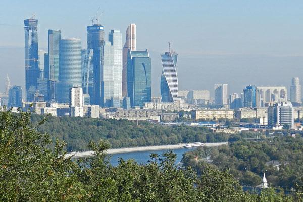 Die Moskau City von den Sperlingsbergen aus betrachtet