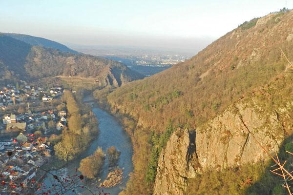 Река Наэ в районе Кройцнаха образует нстоящий каньон