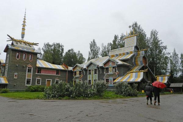 Russischer Pseudo-Märchenstil im Quadrat