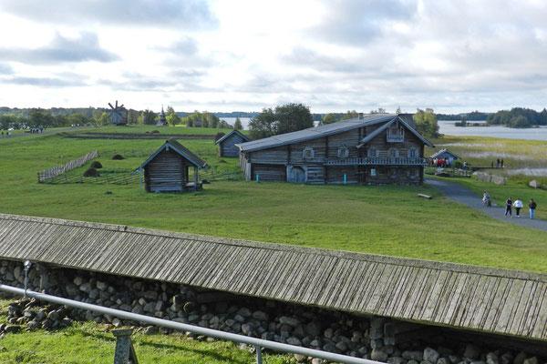 Blick auf das Freilichtmuseum Kischi
