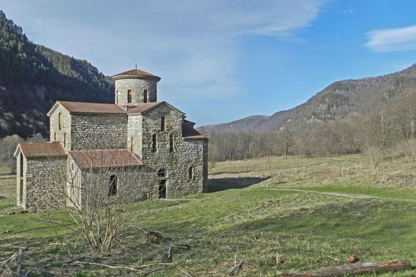 Die mittlere Kirche im Selentschuk-Tal