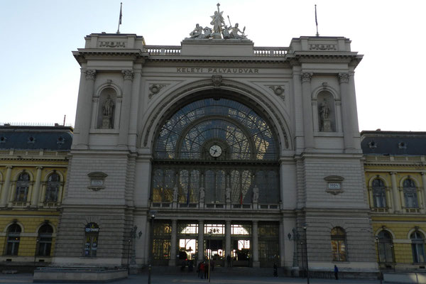 Auch am Ostbahnhof von Budapest kann man die Bahnreise nach Moskau starten lassen.