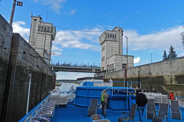 Schleuse am Wolga-Ostsee-Kanal