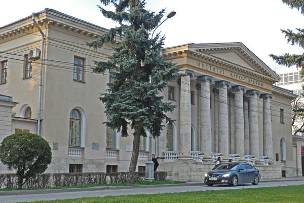 Das Institut für Kurort-Wissenschaften am zentralen Kirow-Prospekt