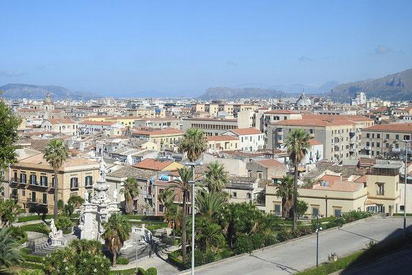 Blick aus dem Normannenpalast auf die Stadt