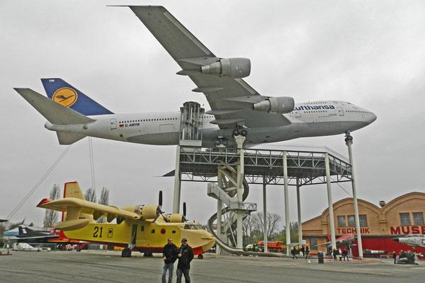 """Самый крупный экспонат Технического музея в Шпайере - """"Джамбо Джет"""""""