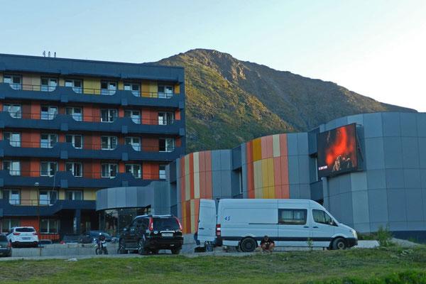 Unser Hotel liegt abseits von Kirowsk am Fuß der Berge