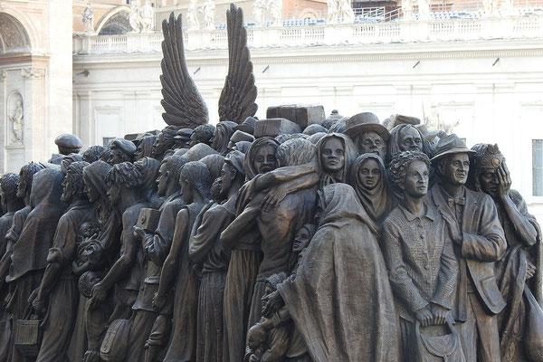 Flüchtlings-Denkmal auf dem Petersplatz