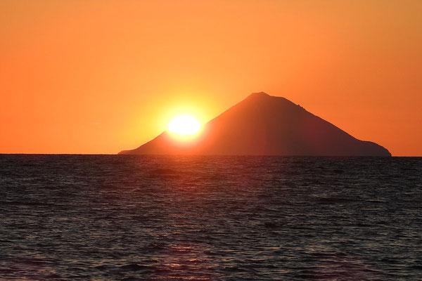 Blick auf die Insel Filicudi