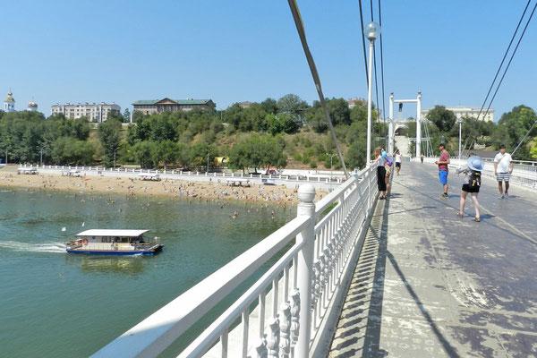 Blick von Asien über den Ural-Fluss nach Europa