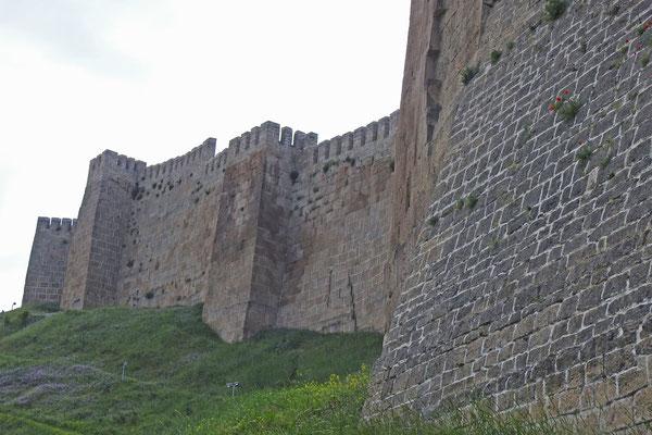 """Schon zur Zeit der Völkerwanderung bewachte eine Festung das """"Kaspische Tor""""."""