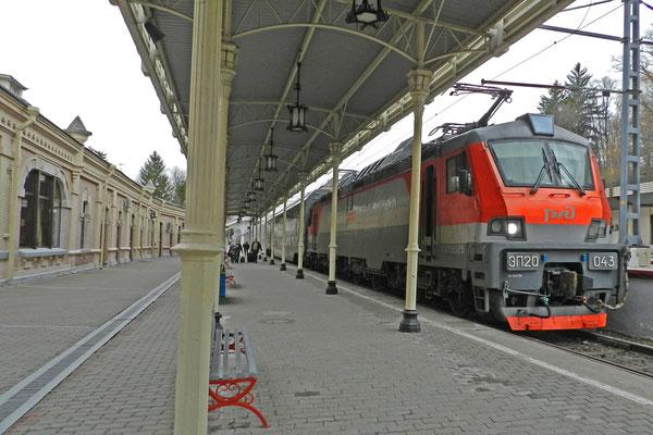 Ankunft am historischen Bahnhof von Kislowodsk