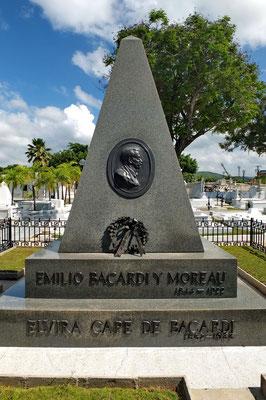 Het graf van dé meneer Bacardi