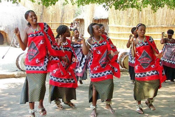 Traditionele dans in Matsamo op de grens met Zuid Afrika