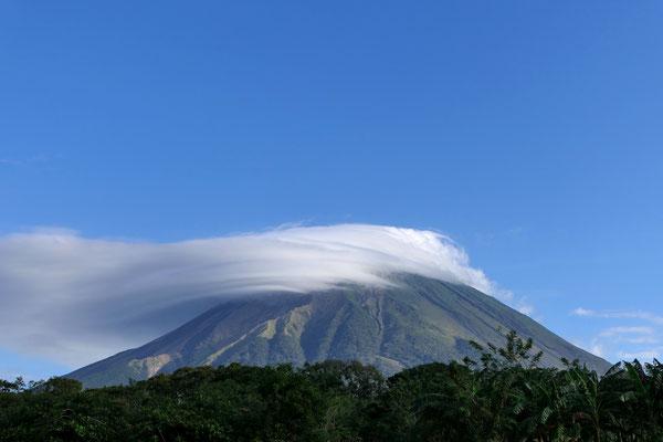 Voorheen vulkaan Concepción, sinds kort Mount Trump