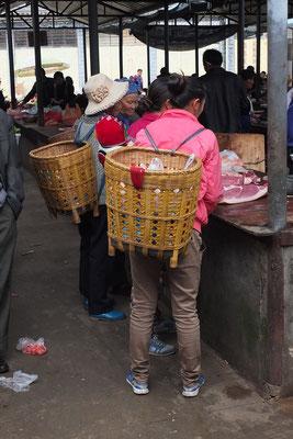 Op de markt in een dorpje vlak bij Dali