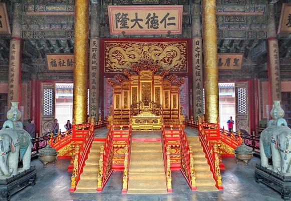 De troon van de keizer