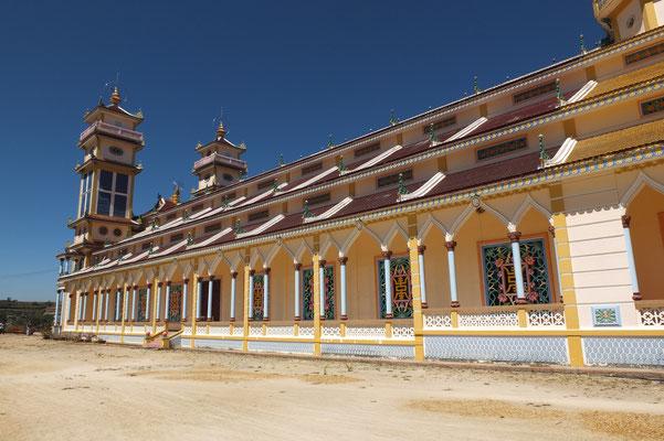 De Thanh That tempel van de Cao Dai sekte in een buitenwijk van Da Lat