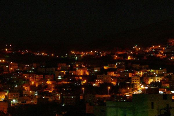 Petra bij nacht