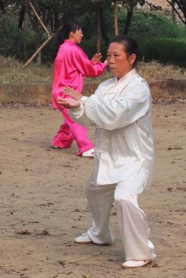 Tai Chi in het park van Yangshuo.