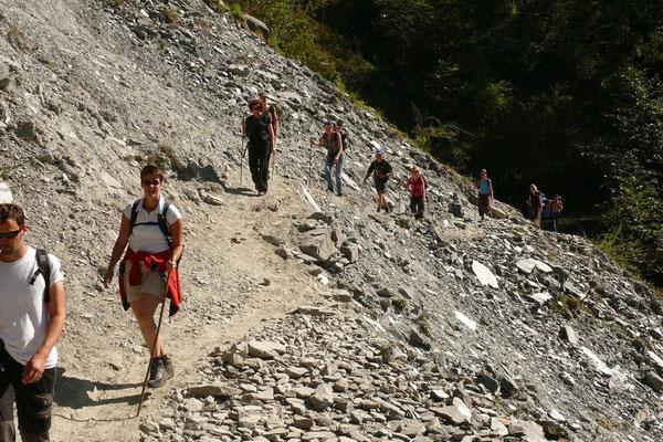 Trekking over een landslide