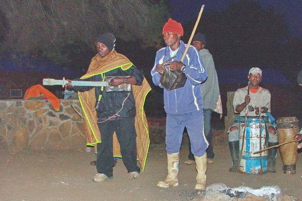 De plaatselijke boyband in Malealea, Lesotho
