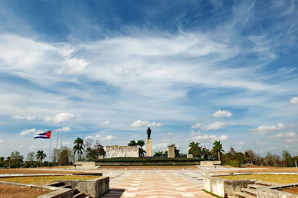 Place de revolucion in Santa Clara met het mausoleum van Ché