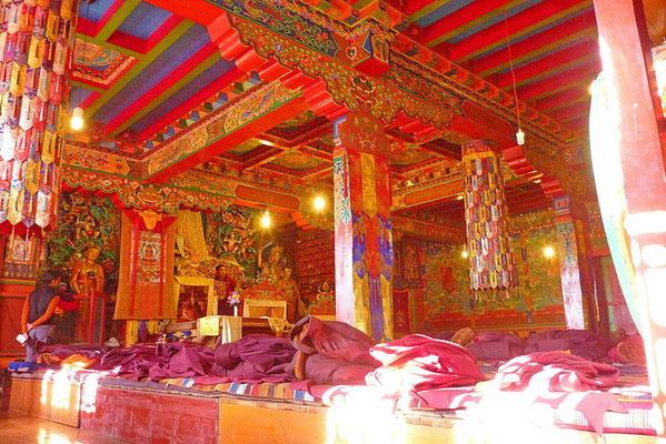 In het klooster van Tengboche