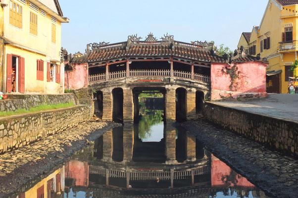 De Japanse overdekte brug in Hoi An