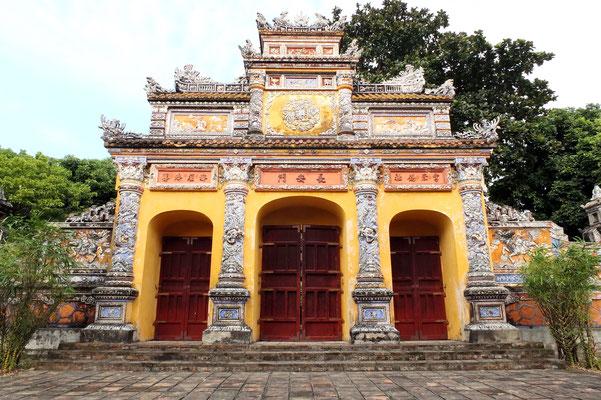 De poort naar het Die Tho paleis in de citadel van Hué.