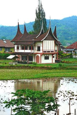 Minankabau huis in Bukkitingi