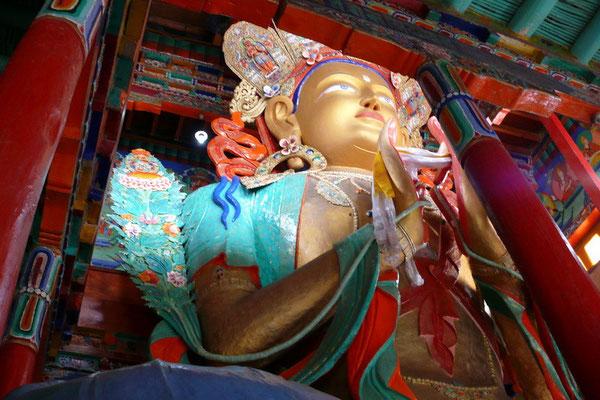 Een héle gote Maytreya Buddha