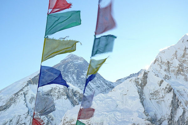 Zonsopkomst achter Mount Everest (8848m.) vanaf de Kala Pattar (5606 m.)
