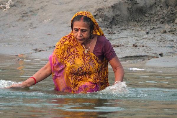 Badende pelgrim in Varanasi