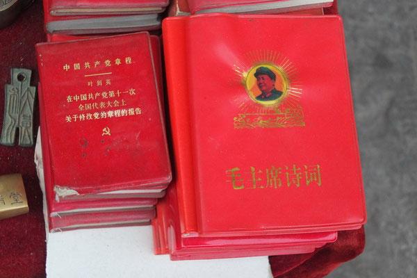 Het rode boekje van Mao is nog steeds te koop.