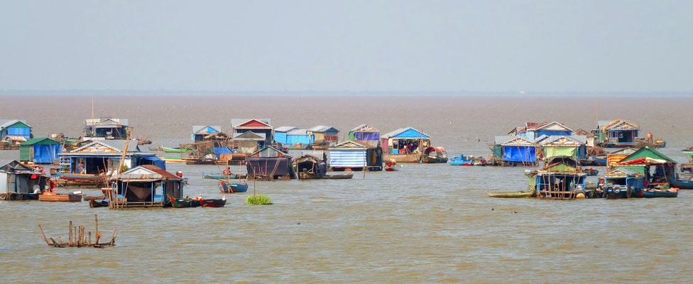 Chong Khneas drijvend dorp op het Tonlé Sap meer